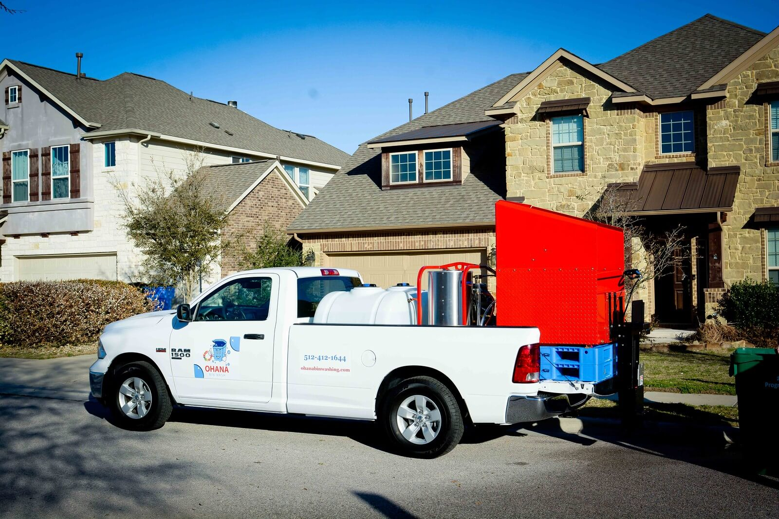 Trash Can Cleaning Service Hutto, TX
