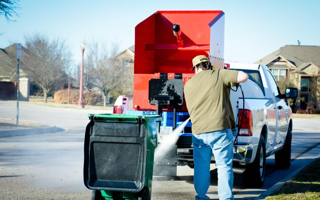 3 Reasons to Hire a Trash Bin Cleaning Services Instead of Doing It Yourself